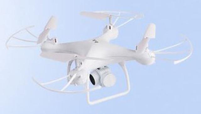 画像: FPV対応、200万画素カメラ搭載のモデルとしては、驚異的な低価格モデル。この価格帯としては大型の機体で、機体デザインも産業用のドローンに似ている。専用操縦機はモード1。機体全長約275ミリ