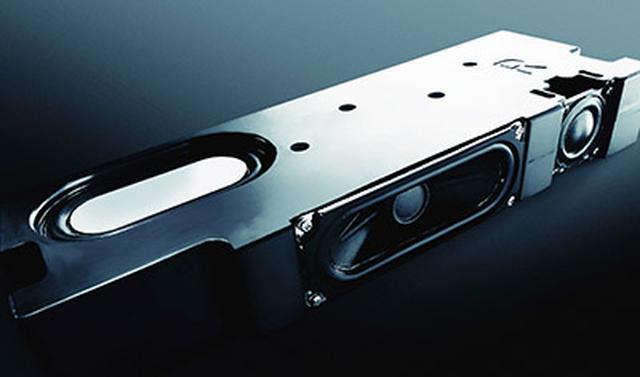 画像: ボックスの振動を抑え、歪み感のない低音を提供する対向型パッシブラジエーターを装備した、レグザオーディオシステムPRO仕様の内蔵スピーカー。