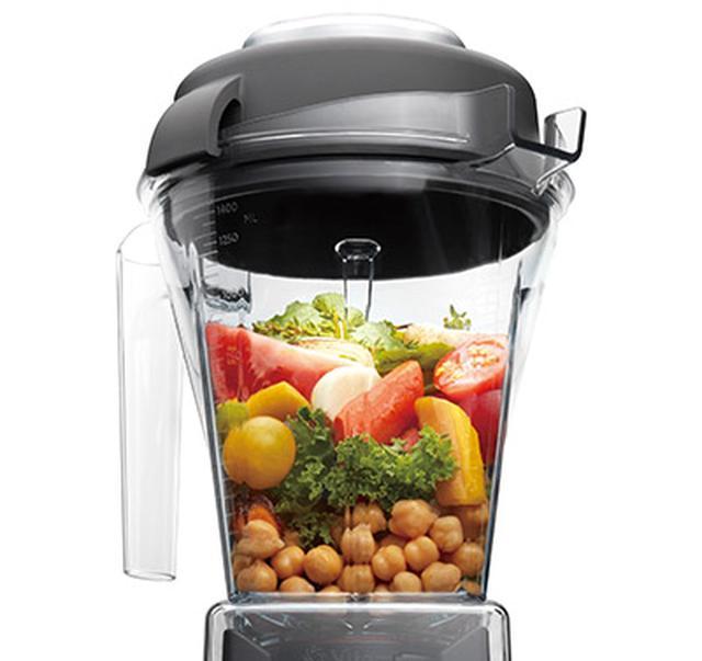 画像: 長回しで熱々のスープ、凍った素材ではアイスクリームも。一台で多彩な調理が可能だ。