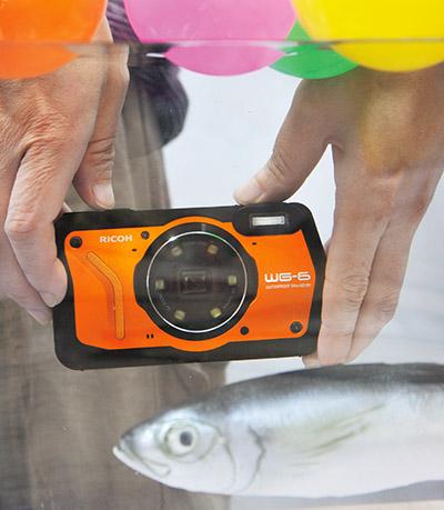 画像: 水深20メートル対応。2時間まで大丈夫なので、ダイビングにも十分ね。