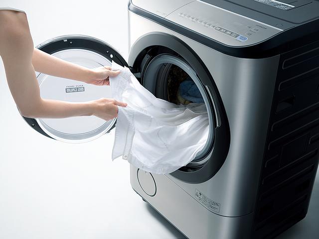 画像: 時速約300キロもの高速の温風で乾燥させることで、衣類のシワを伸ばす「風アイロン」も、便利な機能だ。