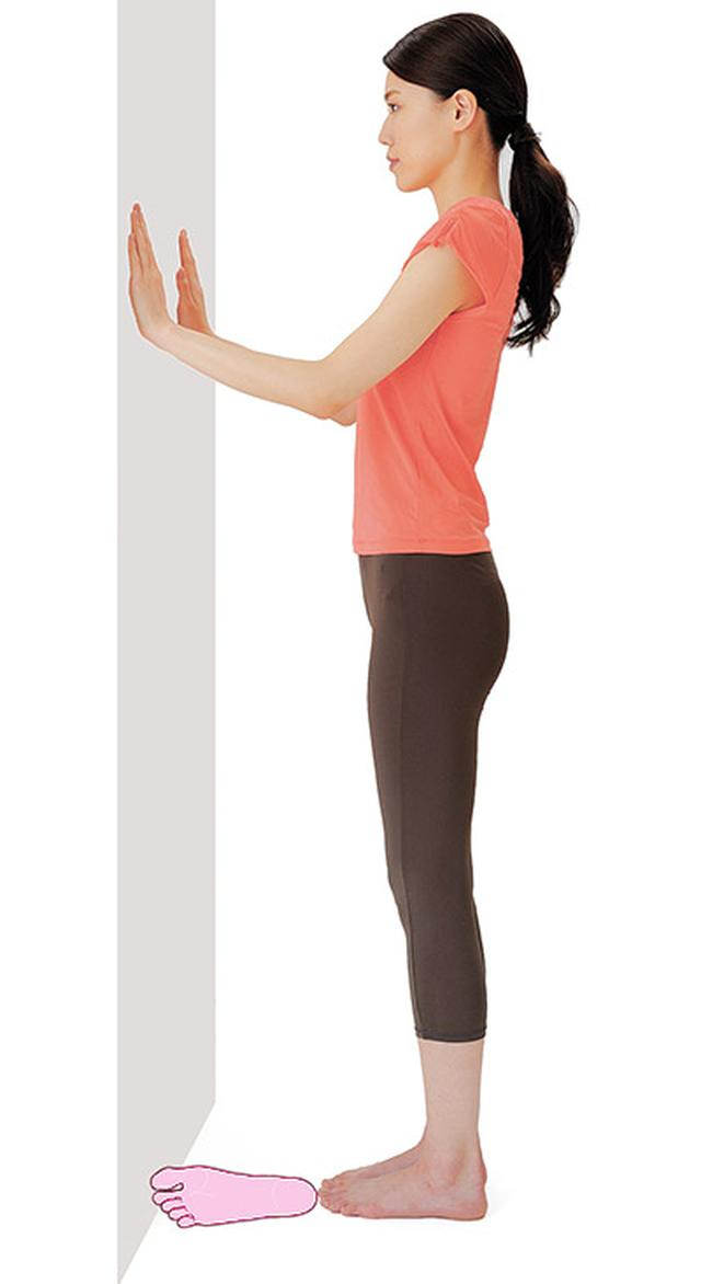 画像1: 股関節を柔らかくする【内股スクワットのやり方】全身の血流が良くなり膝痛や腰痛が改善する!