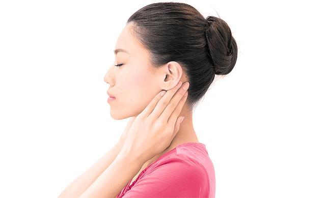 画像3: 「耳の下もみ」のやり方