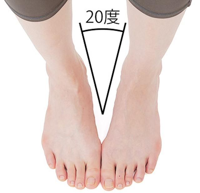 画像2: 股関節を柔らかくする【内股スクワットのやり方】全身の血流が良くなり膝痛や腰痛が改善する!