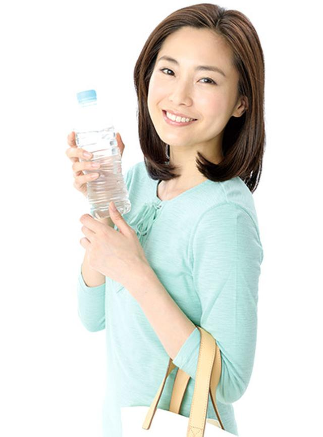 画像: 外出時も水を携帯し、チビチビ飲みをしましょう