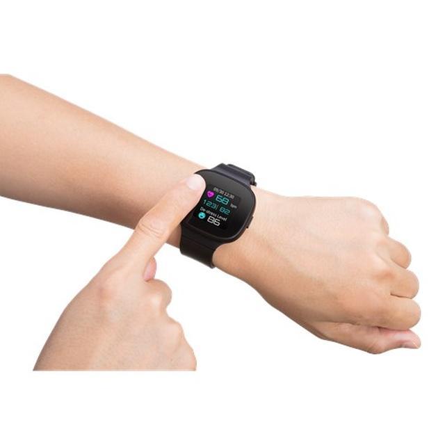 画像1: GPSセンサー内蔵で移動距離、心拍数、消費カロリーも表示