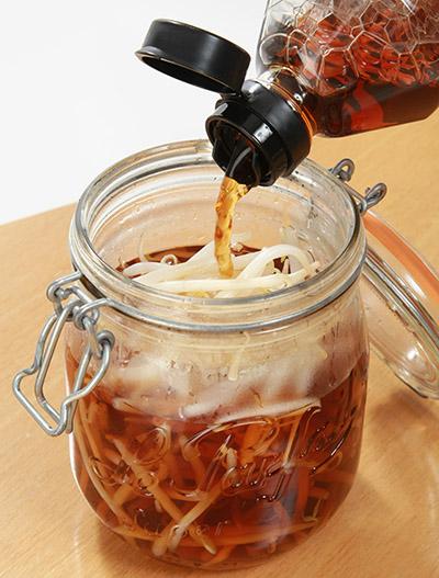 画像: お勧めは黒酢で作る酢モヤシ!