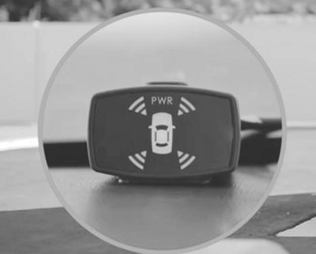 画像: 超音波センサーが障害物を認識し、急アクセルを防止する装備をつける