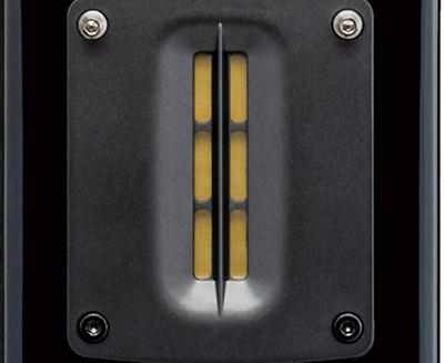 画像: ●リボンツイーター採用 高分子ポリマーとアルミのハイブリッド材を振動板とするリボンツイーター。