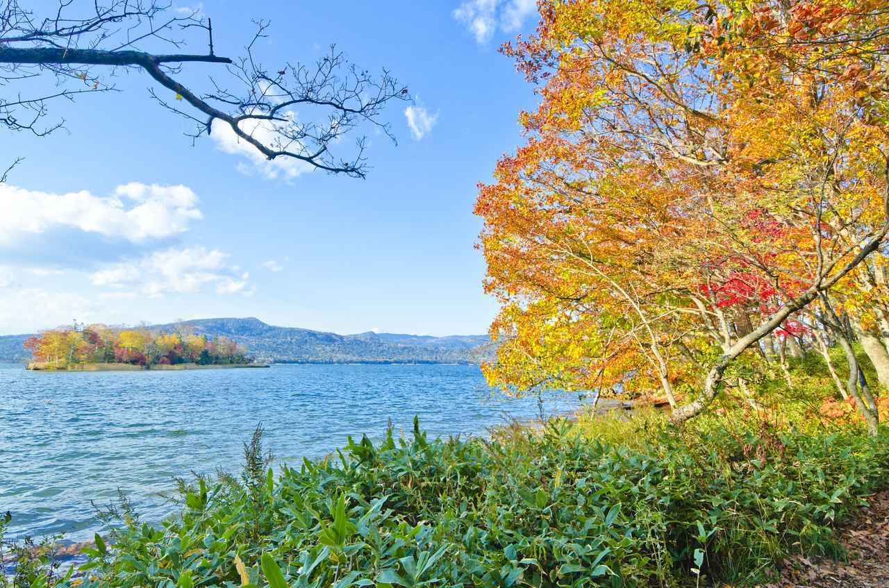 画像: おすすめ紅葉スポット①:北海道「阿寒湖」