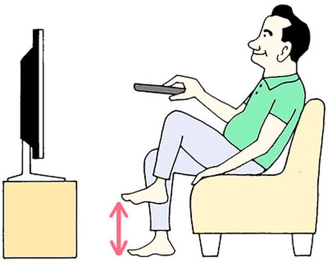 画像: テレビを見ながら足踏みするだけでOK!