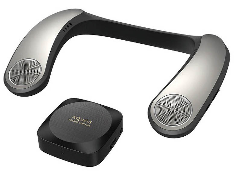 画像: トランスミッターを同梱し、テレビの音を無線接続で聴くことができる。低域音の振動を利用して迫力を増す機能も搭載し、映画視聴に向く。