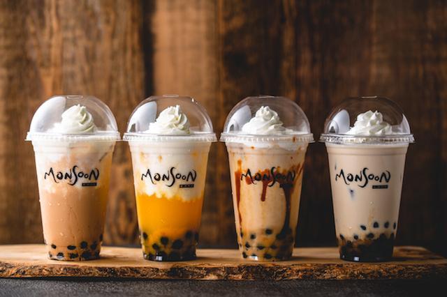 画像: 写真左から:ココナッツチャイティー/ココナッツマンゴー/キャラメル豆乳バナナ/黒糖ミルクラテ各680円