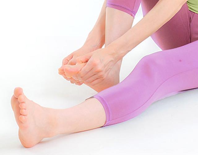 画像: 足指の骨キワほぐしで全身の血流不良を解消!