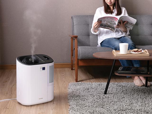 画像2: 部屋全体を効率的に加湿できるサーキュレーター付きの加湿器