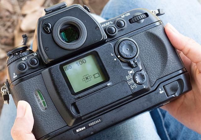 画像3: 【フィルムカメラの使い方】フィルムの装填方法・撮影時に気を付けたいポイント
