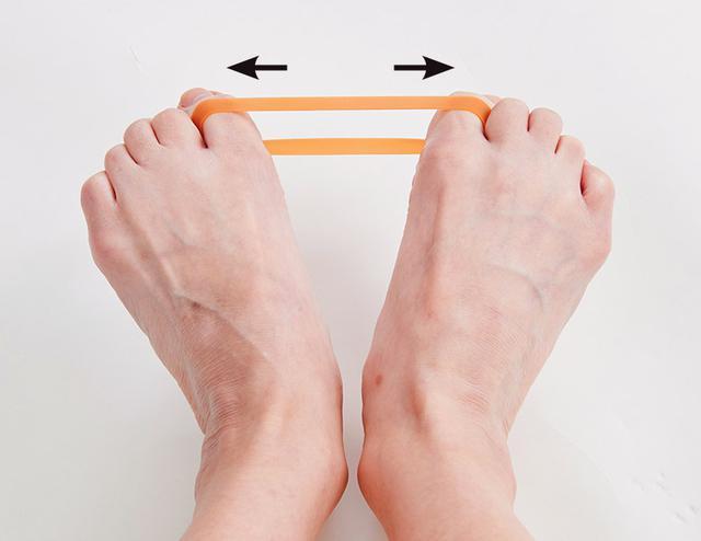 画像6: 【治る?】足底腱膜炎や外反母趾の原因「扁平足」を改善する方法 足のアーチを復活させる簡単体操