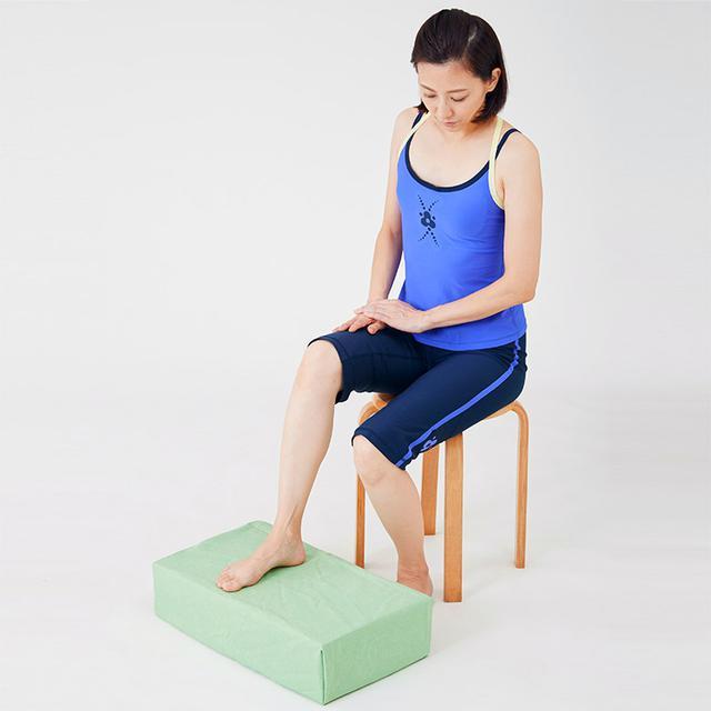 画像1: 【治る?】足底腱膜炎や外反母趾の原因「扁平足」を改善する方法 足のアーチを復活させる簡単体操