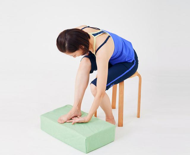 画像2: 【治る?】足底腱膜炎や外反母趾の原因「扁平足」を改善する方法 足のアーチを復活させる簡単体操