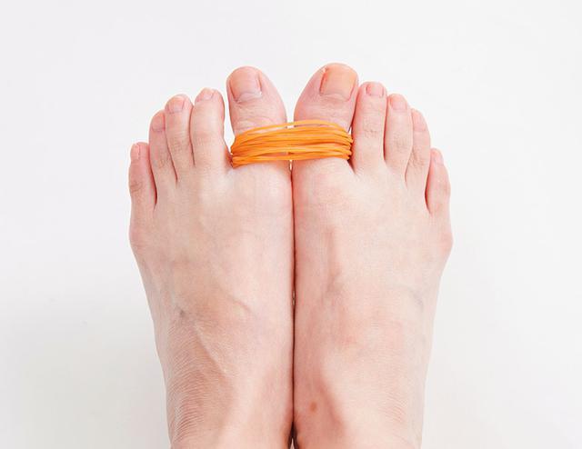 画像7: 【治る?】足底腱膜炎や外反母趾の原因「扁平足」を改善する方法 足のアーチを復活させる簡単体操