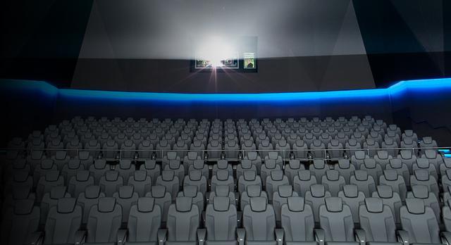 画像: スクリーン以外の要素を排除することによって、余計な事を気にせずにドルビーアトモスとドルビービジョンによる究極の音響と映像を満喫できます。それは、映画に命を宿し、完全に映画に没入する究極のシネマ体験を実現する究極のシアター。 www.smt-cinema.com