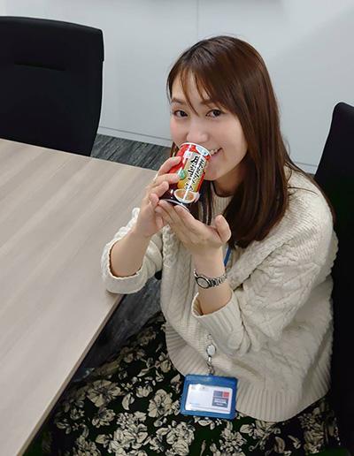 画像: 意外と辛い!飲んだ後、少し唇がピリピリするほどで、辛いものが好きな人なら満足感が高いと思う。