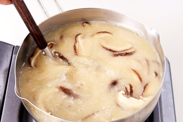 画像3: 一晩戻した干しシイタケのだしが超美味! 「干しシイタケスープ」の作り方