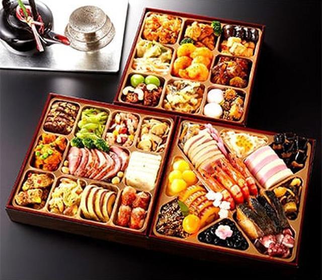 画像: 和洋中おせち「鳳凰」 www.satofull.jp