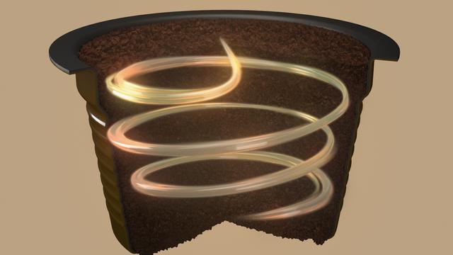 画像: 専用カプセルは側面に溝を入れることで、円を描くように均一にお湯を注ぐマスターのハンドドリップ手法を再現できるという www.cocacola.co.jp