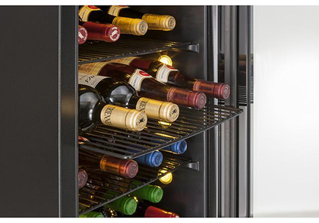 画像: 上段と下段で違う温度に設定できるので、貯蔵温度(12~15度)と飲みごろ温度(5~6度)に分けることが可能。