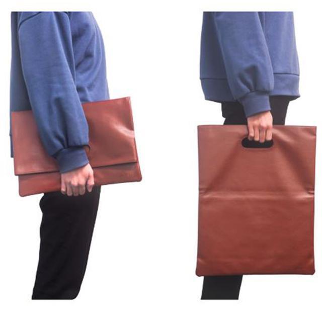 画像1: 【Appleユーザー必見】MacBookやiPadのケース おしゃれに持ち歩ける専用バッグが登場