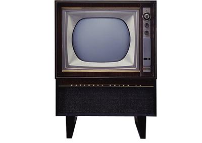 画像: カラー放送開始に伴い発売された松下電器製カラーテレビ第1号機「ナショナル21形 K21-10」。価格は50万円。 panasonic.jp