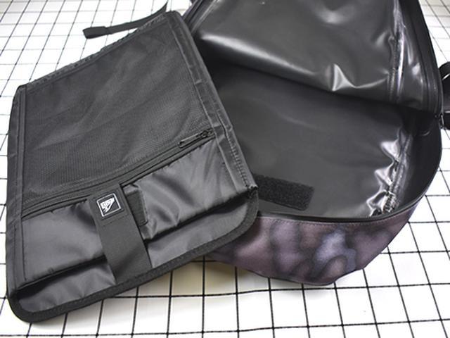画像: 大サイズのスリーブケースは取り外し可能!