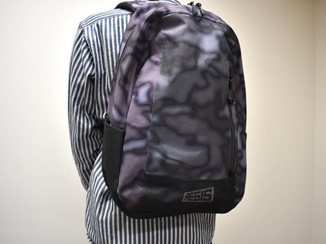 画像: 身長170センチの男性が「AR001 イージス防水デイバッグ」を着用してみた感じ。