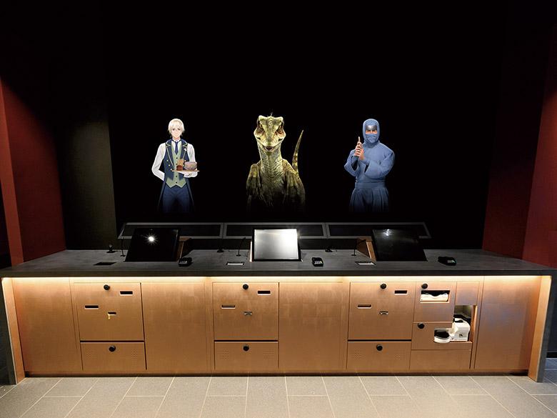 画像: 「変なホテル 浅草 田原町」フロント 最新技術の「 3Dホログラム 」を導入。 執事 や 恐竜 、 忍者 が チェックイン 、 チェックアウト をサポート。