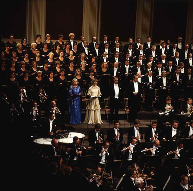 画像: ウィーン国立歌劇場合唱連盟。©Unitel