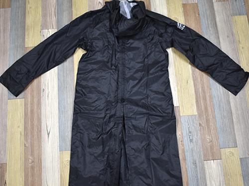 画像4: 「W7610 BAG in 透湿レインコート」の特徴