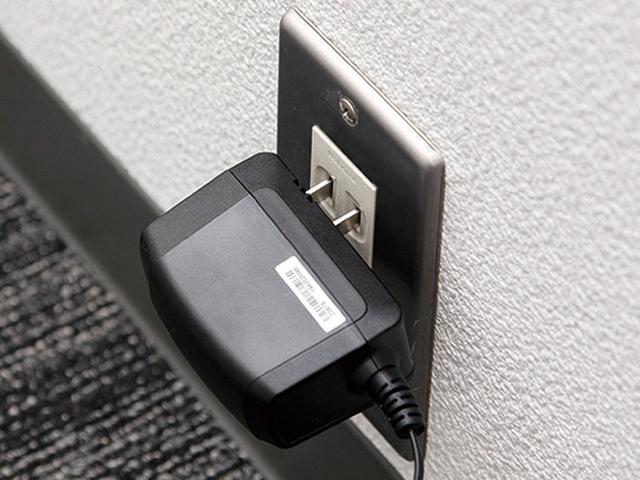 画像: 宅内機器の電源が抜けていないか確認。本体のランプ類にも注目。