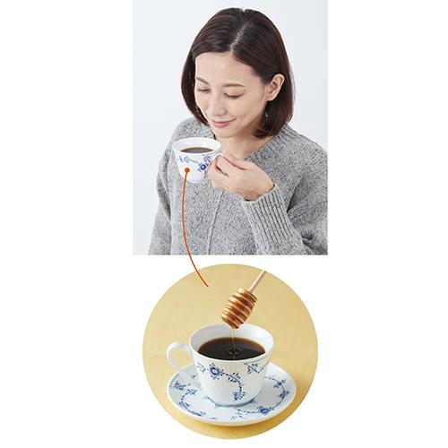 画像: セキがつらいときにはハチミツ入りコーヒーを飲むとよい。