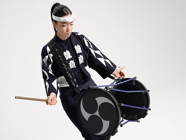 画像: さまざまな種類の太鼓の音色が一台で演奏できる電子和太鼓