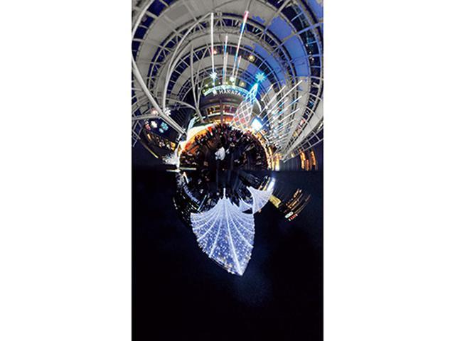 画像: 博多駅前に広がる美しいイルミネーション風景をワンショットで収めた作例。