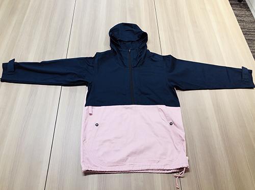 画像: 4月に発売予定の「コットンアノラックパーカー」。ピンク×ネイビーは限定色。