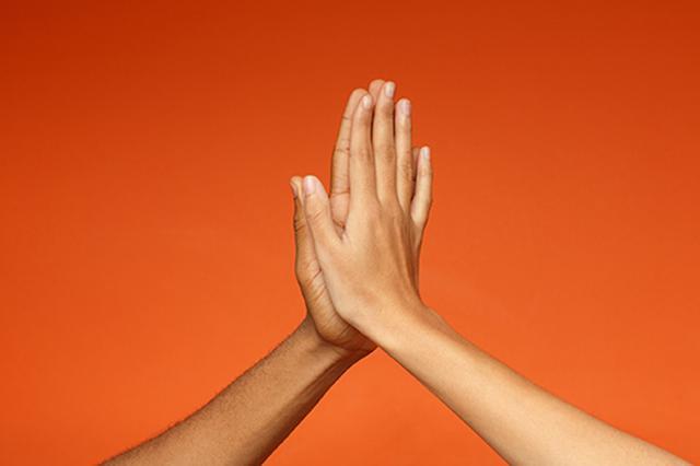 画像: 日本人は手が小さい