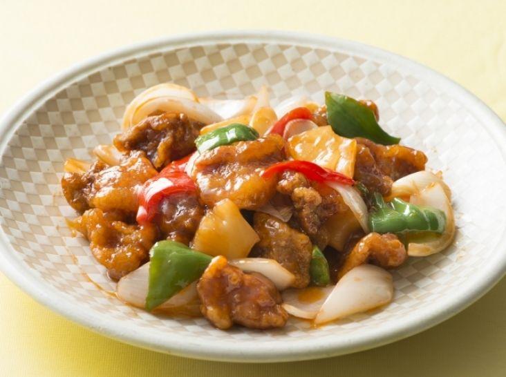 画像: 広東風 パイナップル入り酢豚 黎 志健シェフのレシピ | シェフごはん