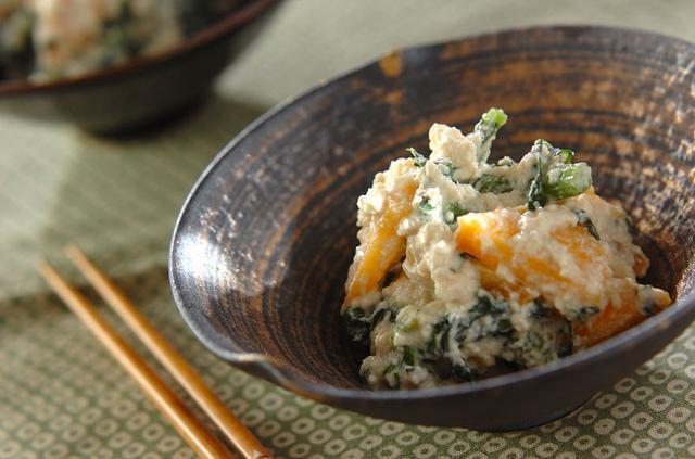 画像: 柿と春菊の白和えのレシピ・作り方 | 【E・レシピ】料理のプロが作る簡単レシピ