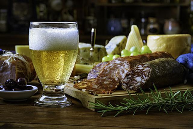 画像: ②お酒、おつまみを持参