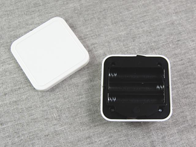 画像: 単3電池が3個必要…