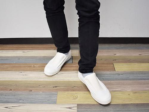 画像: 足のサイズ26cmの男性が着用