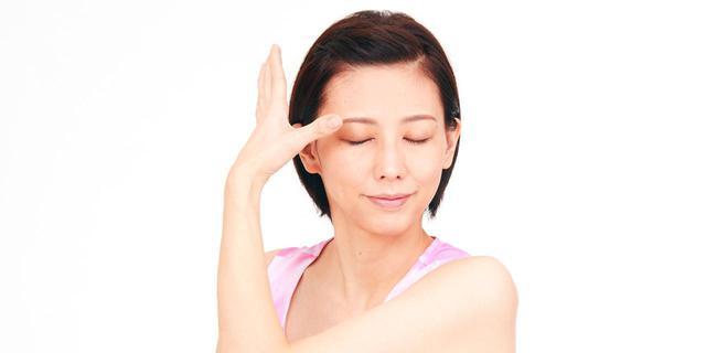 画像: 【瞼マッサージ】血流がアップする「まぶた押し」のやり方 眼精疲労や緑内障を予防する効果 - 特選街web