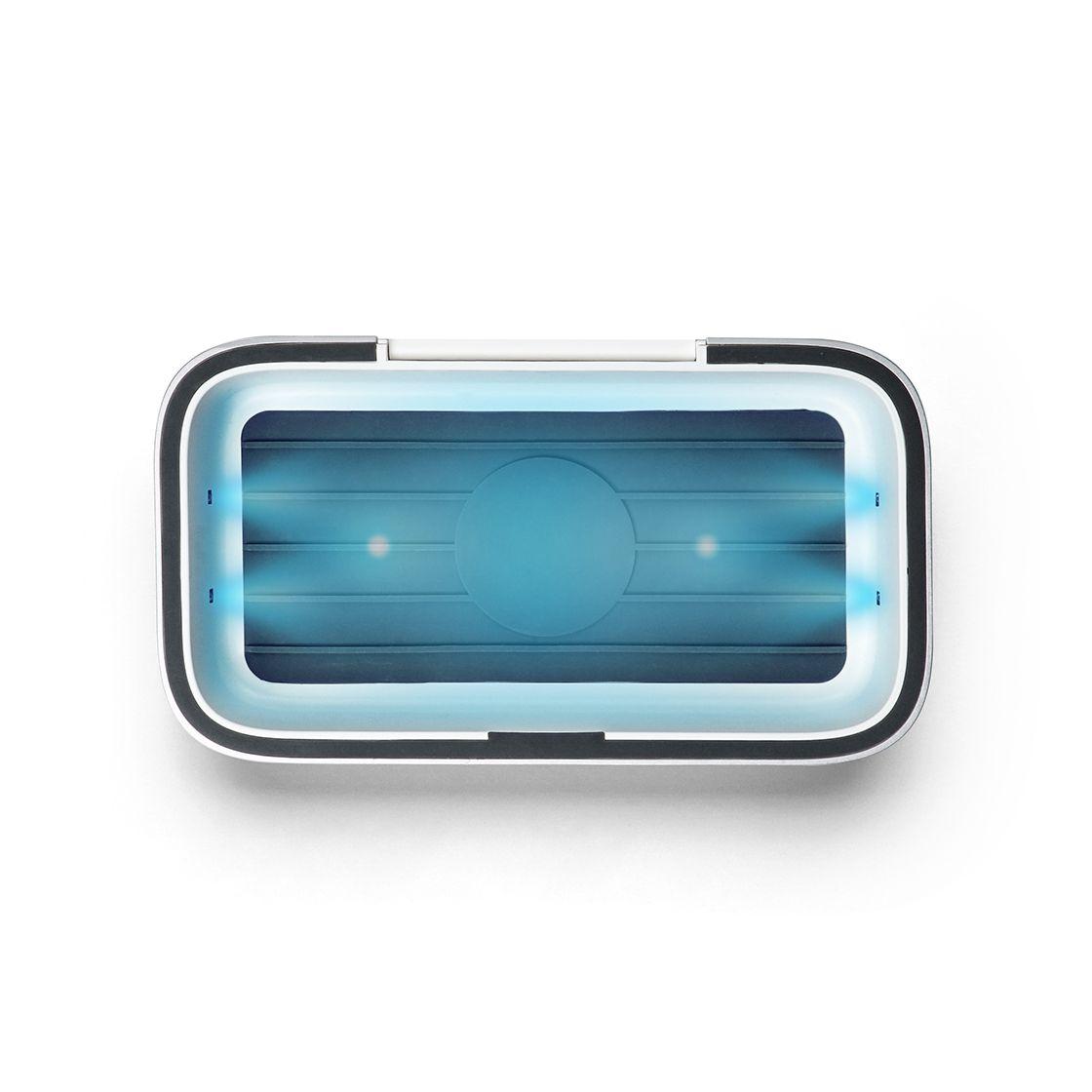 画像: UV除菌ライトの仕組みは、ウイルス不活性化に効果があるとされるUV-Cをスマホに照射するというもの。基本的にはUV灯の出力が大きいほど、短時間で除菌可能だ。 www.casetify.com